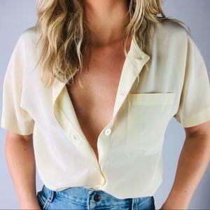 VINTAGE   100% Silk Cream Short Sleeve Button Down
